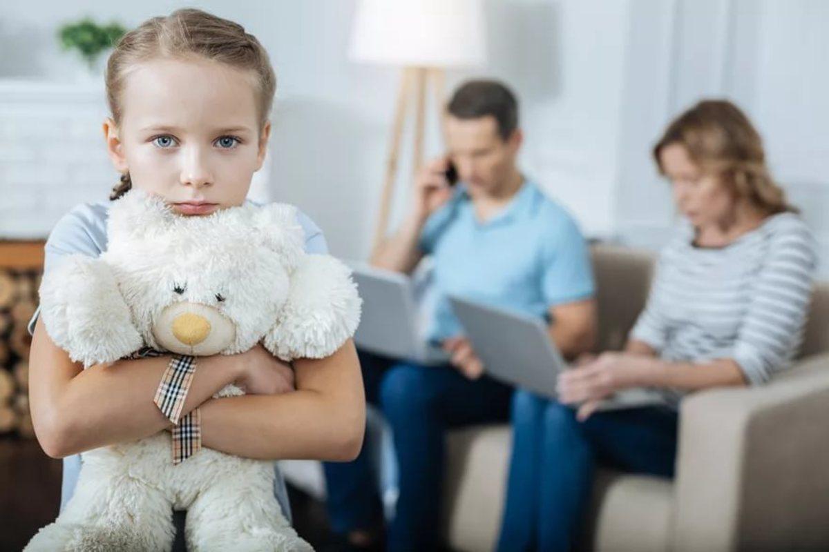 Определение место жительства ребенка при разводе и после него, поможет опытный семейный юрист.